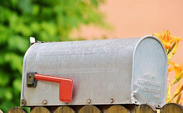 enveloppe personnalisée dans votre boite aux lettres