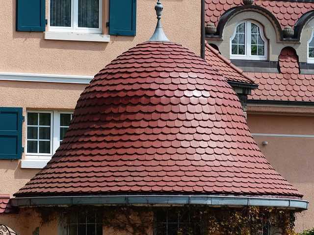 Tuiles de toit spéciales